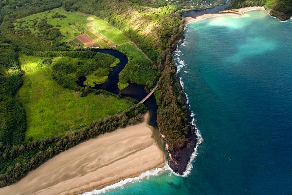 Kauai: Helicopter Flight: Lumaha'i Beach, Lumaha'i River, Wainiha Beach