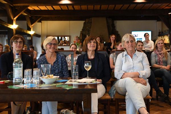 v.l. Heimke Witting-Schorr, Kathrin Klose, Präsidentin Ulrike Röhr und Anne Schmaljohann, Kreisvorsitzende der LandFrauen im Herzogtum Lauenburg