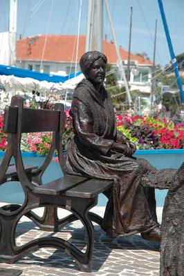 Buste-Statue-Sculpture-Bronze-Pecheur-et-ramendeuse-Sculpteur-Langloÿs