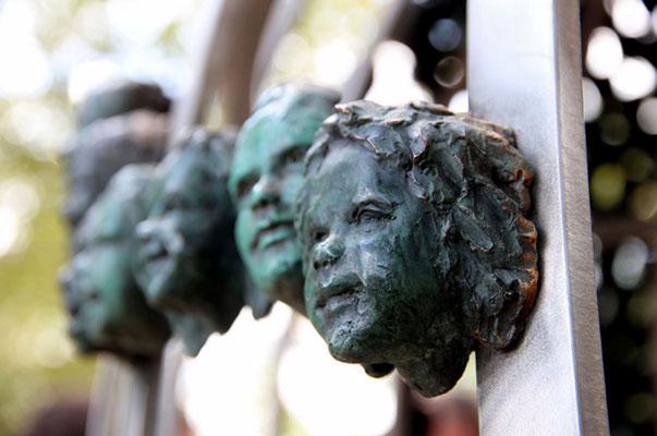 Buste-Statue-Sculpture-Monumentale-Bronze-Regards-d-Enfants-Sculpteur-Langloÿs