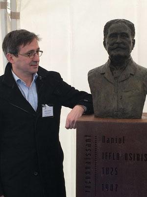 Buste, en bronze de Daniel Iffla Osiris, pour les Jardins de l'Institut Pasteur, Sculpteur, Langloÿs