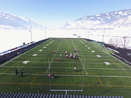 American Football Trainingscamp im Schnee