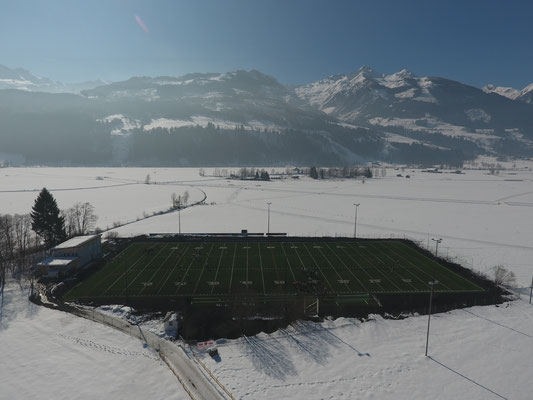 American Football Trainingslager im Schnee