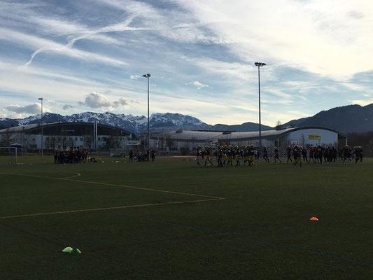 American Football Mannschaft bei der Saisonvorbereitung