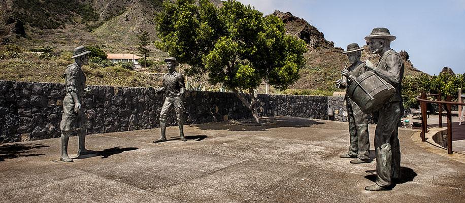 Homenaje a Las Libreas. Bronce. 2009. El Palmar, Buenavista, Tenerife