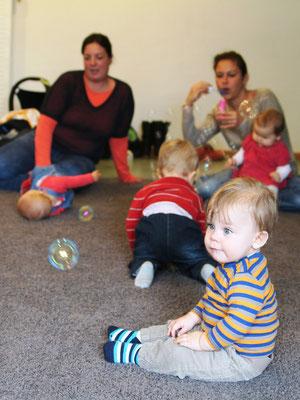 Bei den Babys sind dagegen die Seifenblasen sehr beliebt!