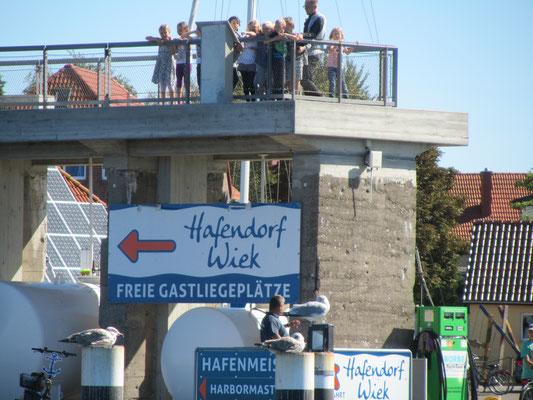 Hafendorf Wiek Kreidebrücke