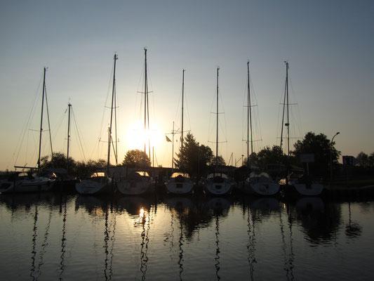 Sonnenaufgang am Hafen Ueckermünde