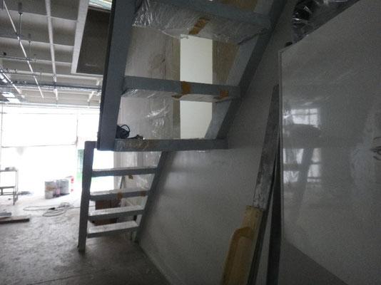 Treppenaufgang zur Dachterrasse