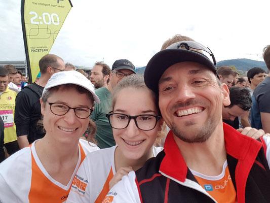 Mama Donata, Papa Jürgen und Tochter Rebecca gemeinsam vor dem Start