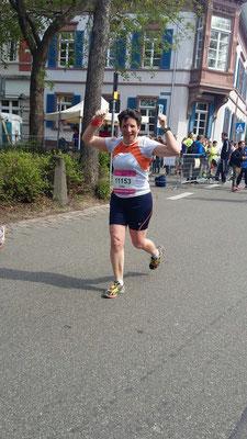 """Jutta mit einem """"gemütlichen Halbmarathon"""" und ganz viel Spaß!"""