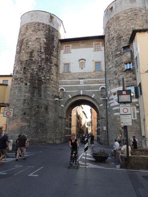Porta San Gervasio: Eingang in die Stadt vom Norden