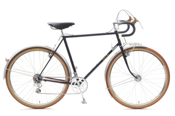 67歳になられたKさん、「太いタイヤでのんびり走るため」、しっかり前上がりに設計したランドナーをオーダーされました。