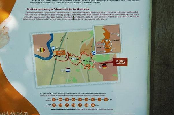 Tafeln weisen auch auf schöne Wanderwege hin (hier befindet sich auch die schmalste Stelle der NL)
