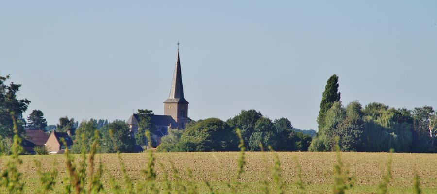 Der Kirchturm von Jabeek (NL)
