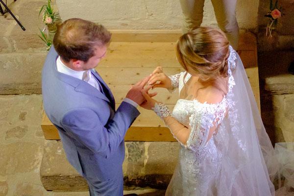 Brautpaar Hochzeitsringe freie Trauung Burg Lichtenberg
