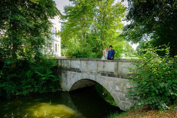 Brücke Hochzeitsfoto Wasserschloss Oppenweiler