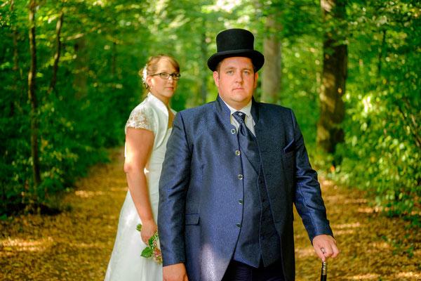 Hochzeitsfotograf mit Brautpaar in Oppenweiler