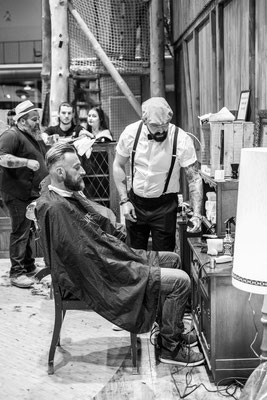 Barber mit Kunden
