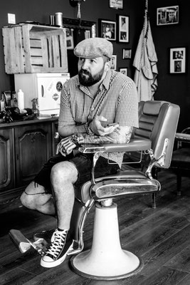 Barber im Barberstuhl