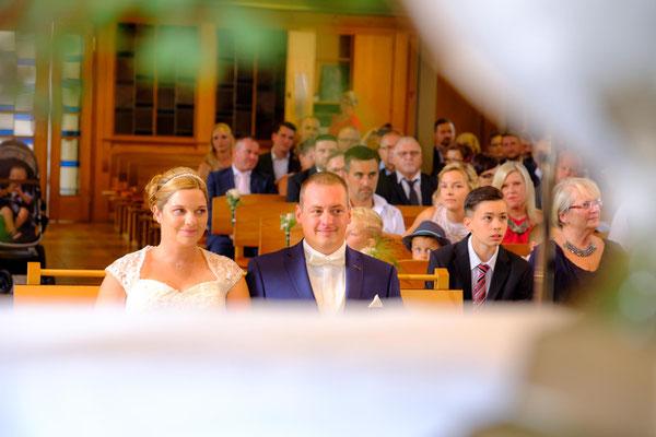 Hochzeitspaar Kirche Berglen