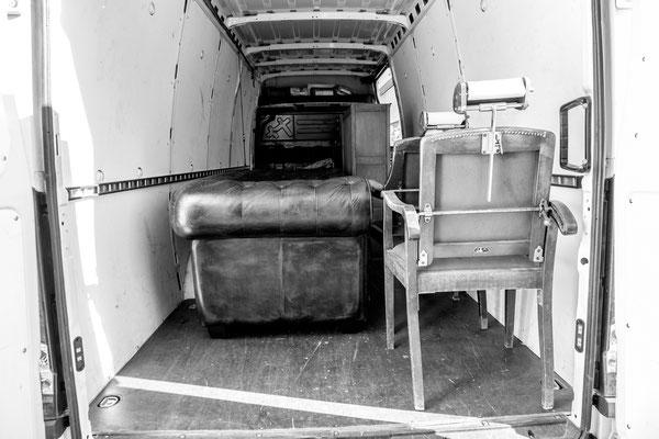 Lieferwagen mit Barber-Ladeneinrichtung