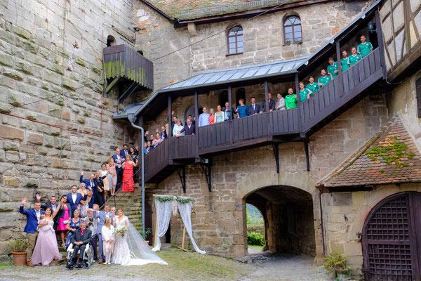 Gruppenbild Hochzeit Burg Lichtenberg Oberstenfeld