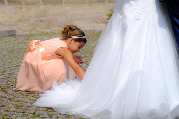 Blumenmädchen Hochzeit Berglen