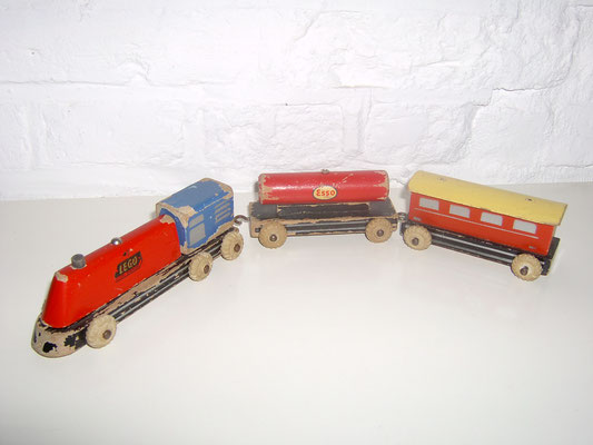 LEGO wood smal train 1950's