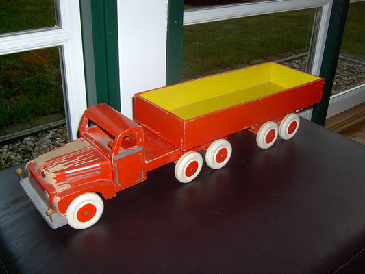 LEGO wood big truck early 1950's