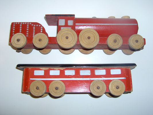LEGO wood train 1940's