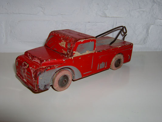 LEGO wood tow truck early 1950's poor condition.