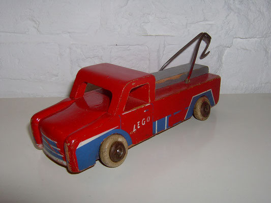 LEGO wood tow truck early 1950's