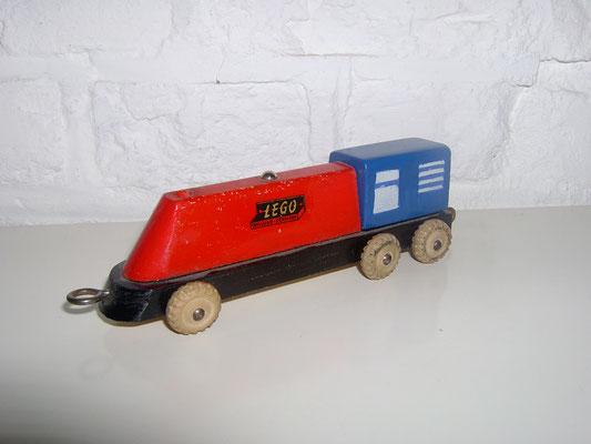 LEGO wood smal loco 1950's