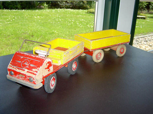 LEGO wood Unimog with trailer 1950's