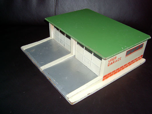 LEGO wood double garage 1950's
