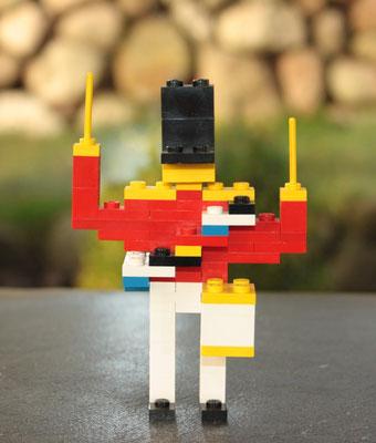 Legoland guardsmen drummer. Still no reference, but I'm sure, designed by Dagny Holm. 1970's.