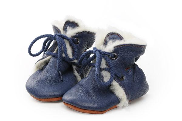 Prewalker aus pflanzlich gegerbtem Leder von Behrens in blau