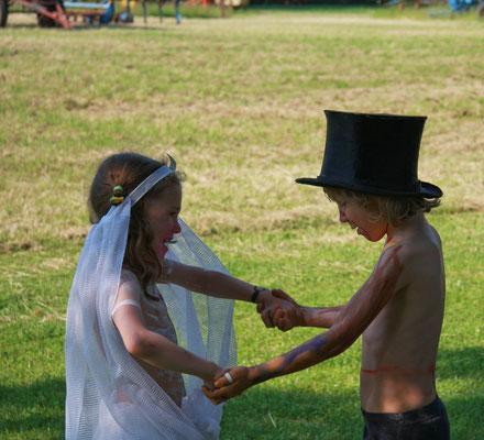 Das Brautpaar beim Eröffnungtanz...