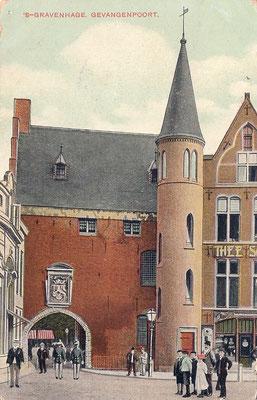 Ansichtkaart Gevangenpoort Den Haag 13
