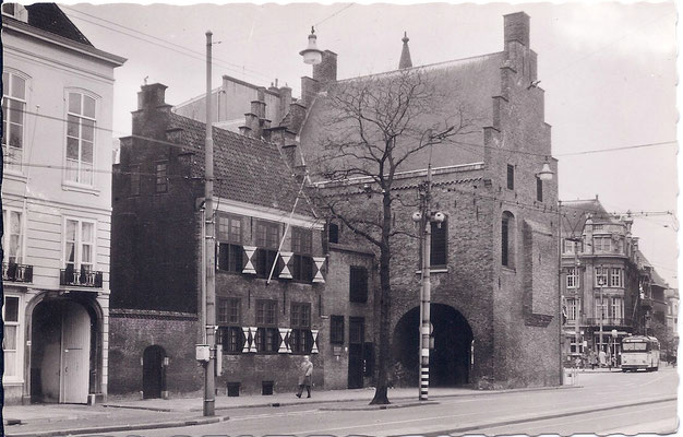 Ansichtkaart Gevangenpoort Den Haag 30