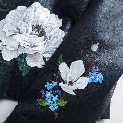 vergeet-mij-nietjes op jasje voor bruid