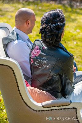 chique leren jasje bruid