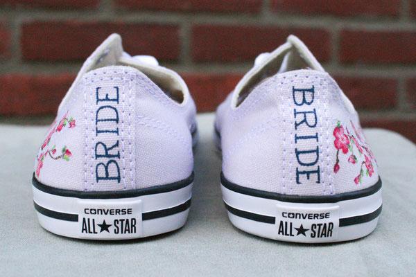 all stars met bloesemtakjes en BRIDE