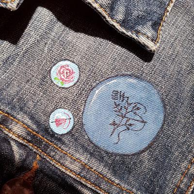 badges op spijkerjasje