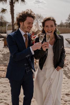 buiten trouwen in jasje