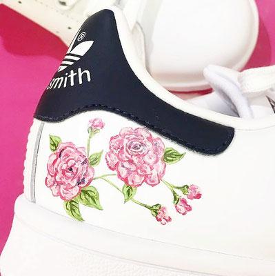 bloesem op sneakers