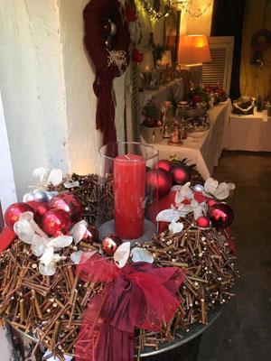 Weihnachtskranz in Rot