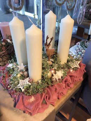 Adventskranz in Pink