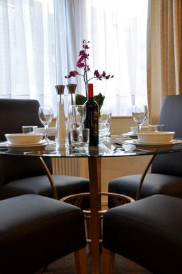 Studio - Dining Area